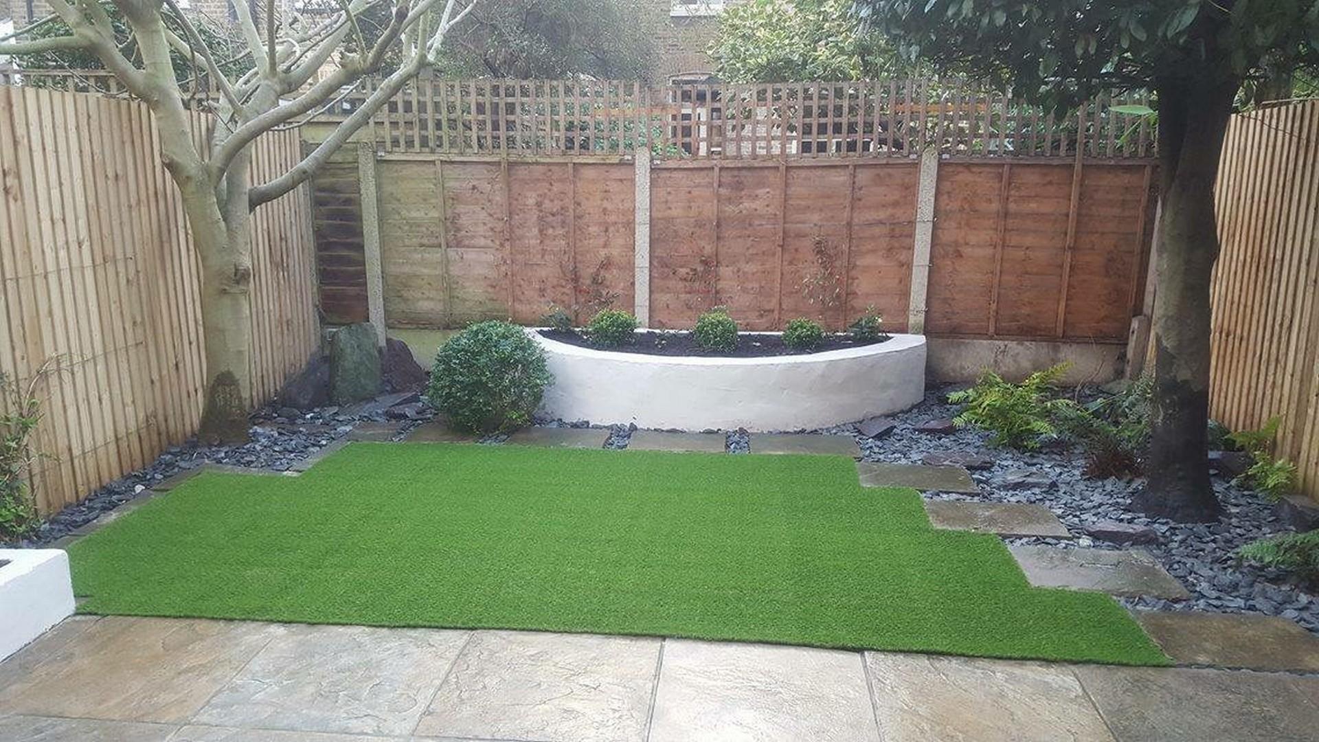Wandsworth. Minimal maintenance landscaping/planting.